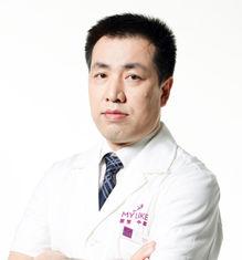 深圳美莱医院首席全鼻整形专家梁晓健